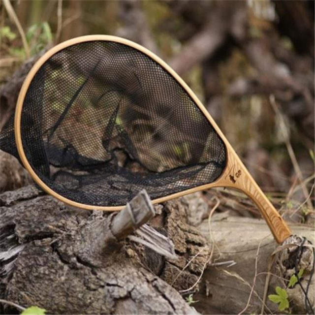 Fly fishing Net with wooden handle   Great design and strong fishing net